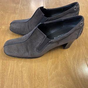 Liz Claiborne Deep Taupe Casual Heels